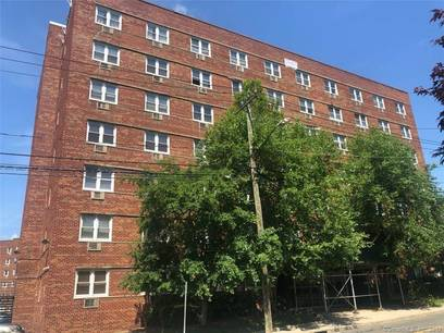 Foreclosure: Condo Home Sold in Stamford CT 06901. Ranch house near waterfront with 1 car garage.