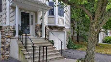 Condo Home Sold in Danbury CT 06811.  townhouse near waterfront with swimming pool and 1 car garage.