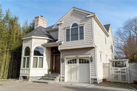 Single Family Home Sold in Greenwich CT 06870. Colonial house near waterfront with 1 car garage.