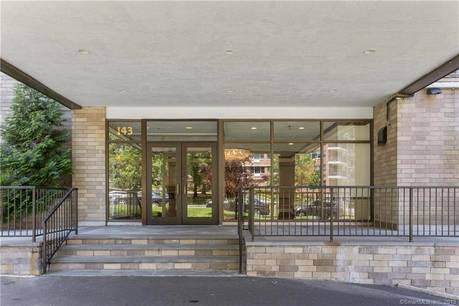 Condo Home Sold in Stamford CT 06905.  house near waterfront with swimming pool and 1 car garage.