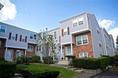 Condo Home Sold in Norwalk CT 06851.  townhouse near beach side waterfront.
