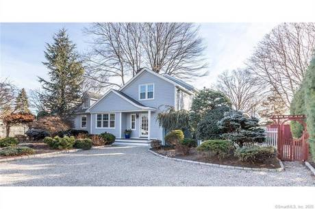 Single Family Home Sold in Fairfield CT 06824. Ranch cape cod house near beach side waterfront.