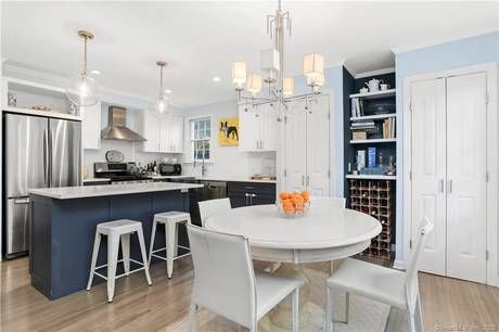 Cooperative Home Sold in Greenwich CT 06830.  townhouse near waterfront with 1 car garage.
