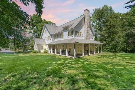 Single Family Home Sold in New Canaan CT 06840. Colonial house near waterfront with 2 car garage.