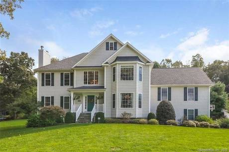Single Family Home For Sale in Monroe CT 06468. Colonial house near waterfront with 3 car garage.