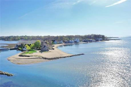Single Family Home Sold in Westport CT 06880. Contemporary house near beach side waterfront with 1 car garage.