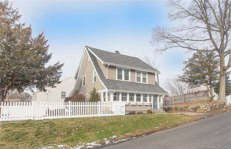 Single Family Home Sold in Norwalk CT 06855. Old colonial cottage house near beach side waterfront.