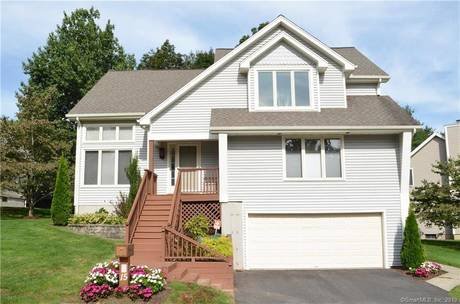 Condo Home For Sale in Shelton CT 06484.  house near waterfront with 2 car garage.