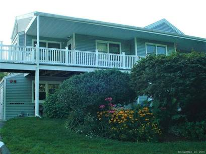 Condo Home Sold in Monroe CT 06468. Ranch house near waterfront with 2 car garage.