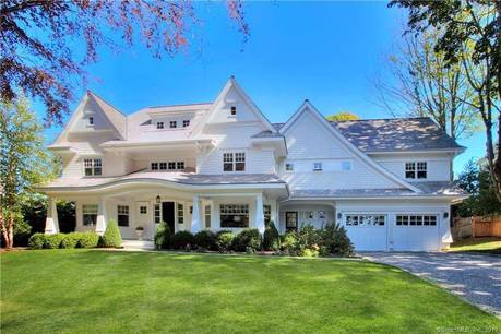 Luxury Single Family Home Sold in Westport CT 06880. Colonial house near beach side waterfront with swimming pool and 2 car garage.
