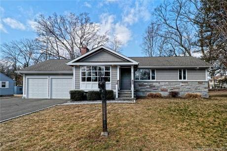 Foreclosure: Single Family Home Sold in Stratford CT 06614. Ranch house near waterfront with 2 car garage.