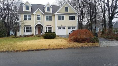 Single Family Home For Rent in Stamford CT 06902. Colonial house near waterfront with 2 car garage.