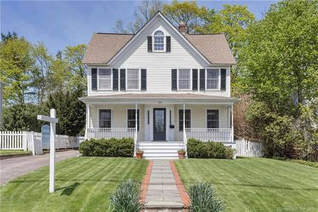 Single Family Home Sold in New Canaan CT 06840. Old colonial house near waterfront with 1 car garage.