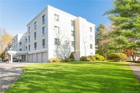 Condo Home Sold in Greenwich CT 06870.  house near waterfront.