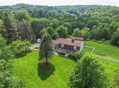 Single Family Home For Sale in Newtown CT 06470. Colonial house near waterfront with 2 car garage.