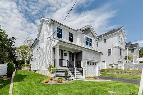 Single Family Home Sold in Fairfield CT 06890. Colonial house near beach side waterfront with 1 car garage.
