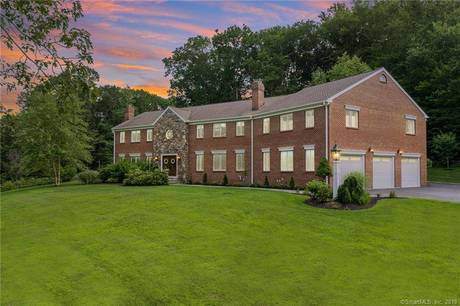 Single Family Home Sold in Easton CT 06612. Colonial house near waterfront with 5 car garage.