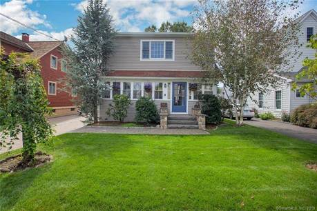 Single Family Home Sold in Norwalk CT 06855. Old colonial cape cod house near beach side waterfront with 1 car garage.