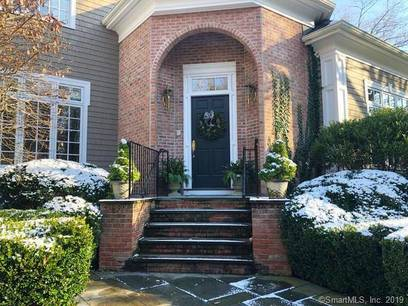 Single Family Home Sold in Darien CT 06820. Colonial house near beach side waterfront with swimming pool and 3 car garage.