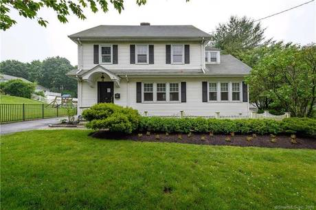 Foreclosure: Single Family Home Sold in Stamford CT 06902. Old colonial house near beach side waterfront with 2 car garage.