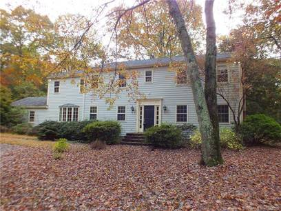 Foreclosure: Single Family Home Sold in Westport CT 06880. Colonial house near waterfront with 2 car garage.