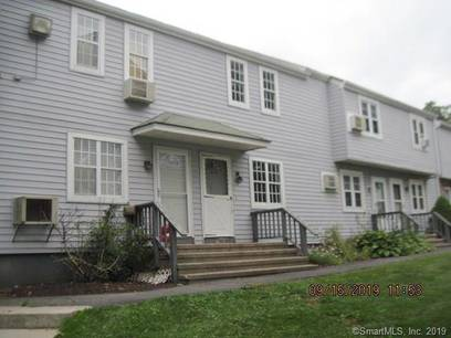 Foreclosure: Condo Home Sold in Danbury CT 06811.  townhouse near waterfront.