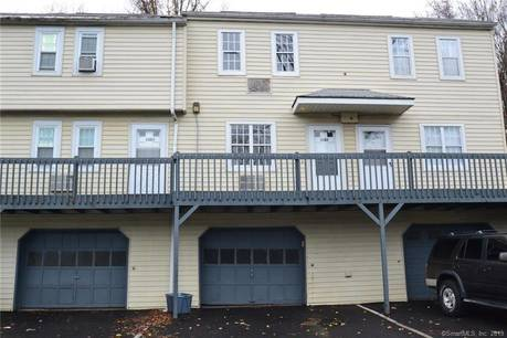 Condo Home For Rent in Danbury CT 06811.  townhouse near waterfront with 1 car garage.