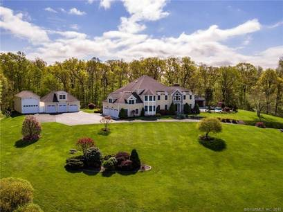 Single Family Home Sold in Newtown CT 06470. Colonial house near waterfront with swimming pool and 7 car garage.