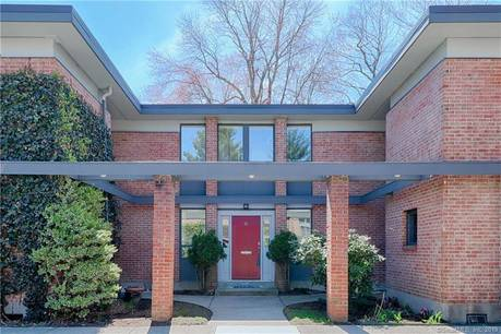Condo Home Sold in Fairfield CT 06825.  townhouse near beach side waterfront with swimming pool.
