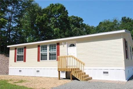 Single Family Home For Sale in Newtown CT 06470. Ranch mobile-home house near waterfront with 2 car garage.