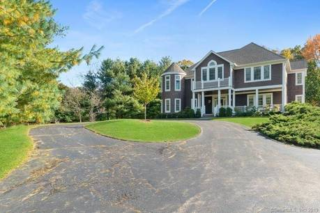Mansion Sold in Stamford CT 06903. Big colonial house near waterfront with swimming pool and 3 car garage.