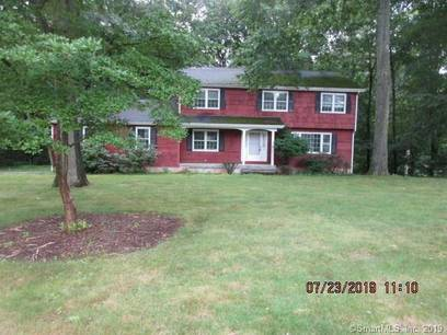 Foreclosure: Single Family Home Sold in Monroe CT 06468. Colonial house near waterfront with 2 car garage.