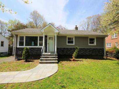 Foreclosure: Single Family Home Sold in Bridgeport CT 06606. Ranch house near waterfront.
