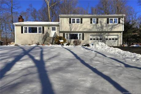 Single Family Home Sold in Stamford CT 06903.  house near waterfront with 2 car garage.