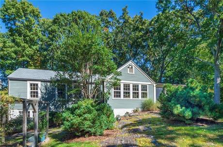 Single Family Home Sold in Westport CT 06880. Old ranch, antique house near waterfront with 2 car garage.