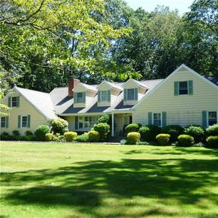 Short Sale: Single Family Home Sold in Stamford CT 06903. Colonial cape cod house near waterfront with 2 car garage.