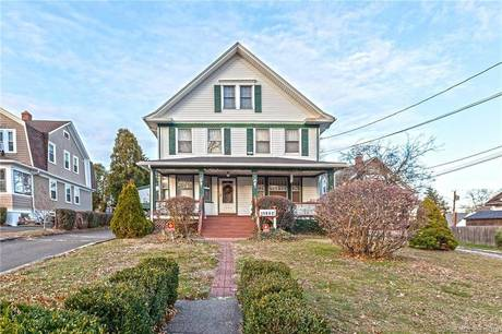 Single Family Home Sold in Stratford CT 06615. Old colonial house near waterfront with 2 car garage.