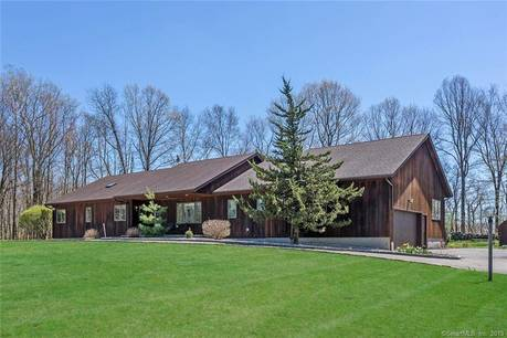 Single Family Home Sold in Danbury CT 06811. Contemporary, ranch house near lake side waterfront with 2 car garage.