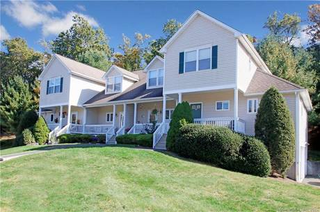 Condo Home For Sale in Newtown CT 06470.  townhouse near waterfront with 1 car garage.