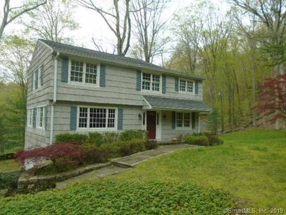 Foreclosure: Single Family Home Sold in Ridgefield CT 06877. Colonial house near waterfront with 2 car garage.