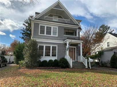 Short Sale: Single Family Home Sold in Fairfield CT 06824. Colonial house near beach side waterfront with 2 car garage.
