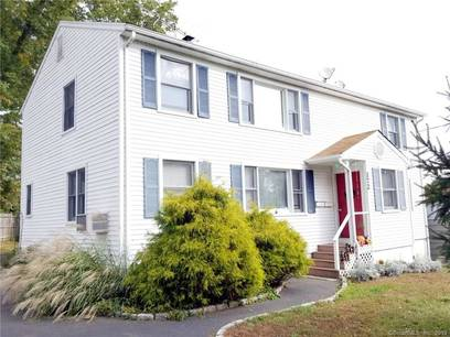 Multi Family Home Sold in Fairfield CT 06825.  house near waterfront with 1 car garage.