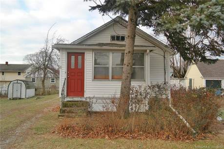 Single Family Home Sold in Bridgeport CT 06604. Old ranch house near waterfront.