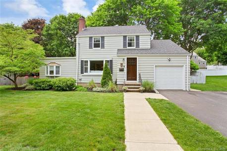 Single Family Home Sold in Stratford CT 06614. Colonial house near river side waterfront with 1 car garage.