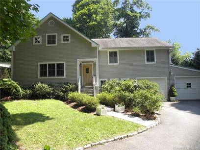 Single Family Home For Sale in Darien CT 06820. Colonial house near beach side waterfront with 2 car garage.