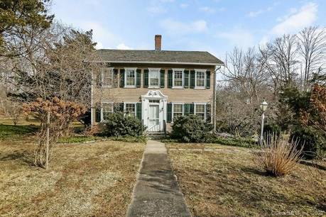 Single Family Home Sold in Stamford CT 06903. Colonial house near waterfront with 1 car garage.