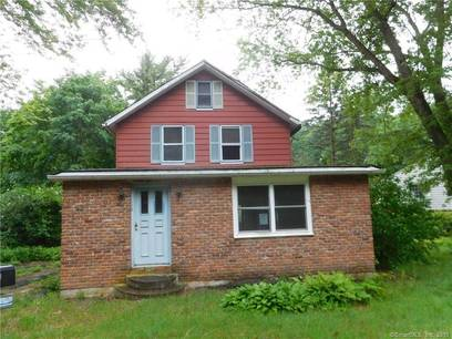 Single Family Home Sold in Shelton CT 06484. Old colonial house near waterfront.