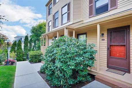 Condo Home Sold in Norwalk CT 06854. Ranch house near beach side waterfront with 1 car garage.