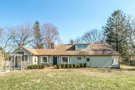Single Family Home Sold in Easton CT 06612.  cape cod house near waterfront.