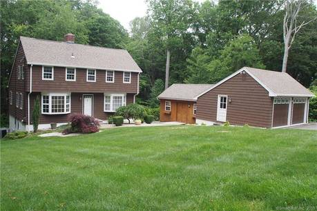 Single Family Home Sold in Shelton CT 06484. Colonial saltbox house near river side waterfront with 2 car garage.